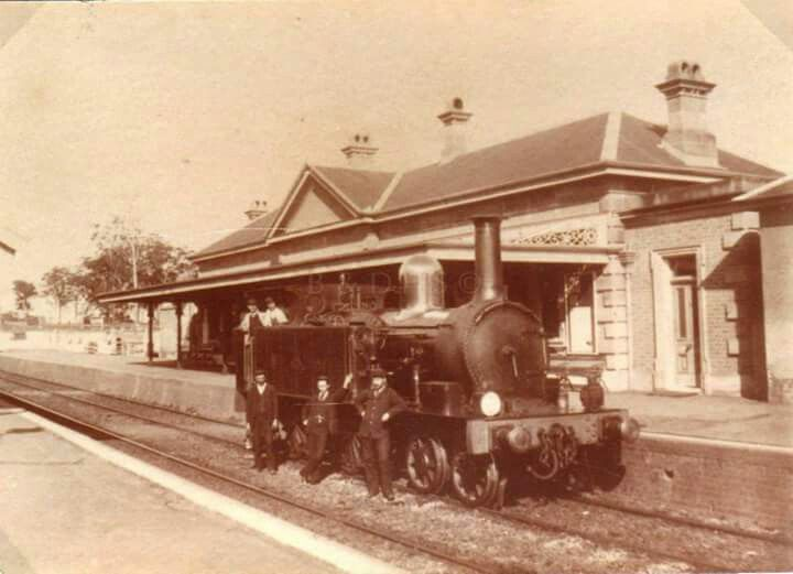 Locomotive at Blacktown Railway Station,in western Sydney in 1880s.Photo from Blacktown and Districts Hustorical Society.A♥W