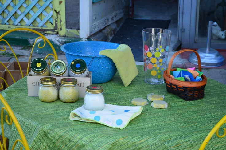 The display at one of our events. Everything on the table is upcyled and renewable.