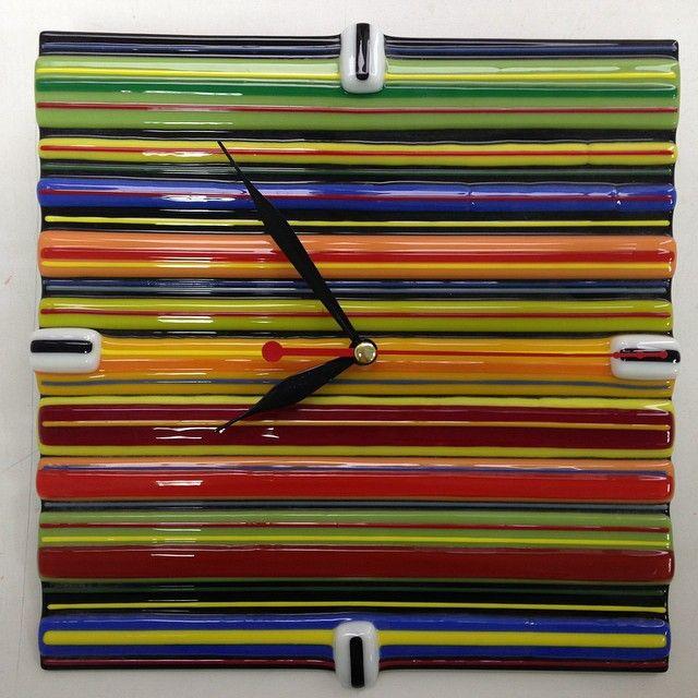 Часы настенные. Полосатые. Фьюзинг