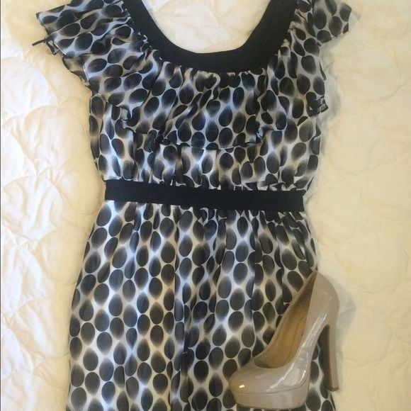 Polka dot dress Very cute flowy polka dot dress! Very flattering and great for a date night or girls night out! Double Zero Dresses Mini