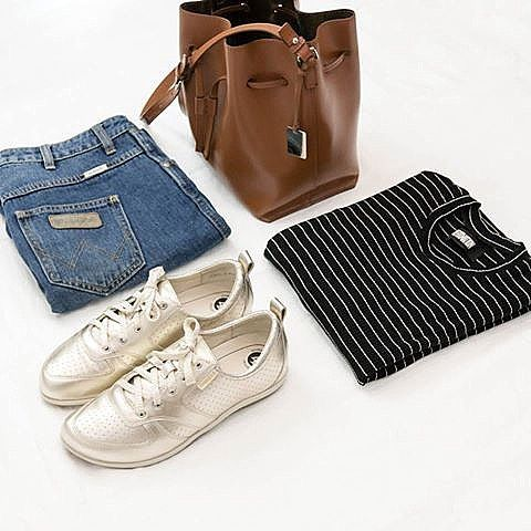 Out and about this week? Must haves: stripes, denim, and a pair of FRANKiE4s to support your precious feet 👌🏻⠀ ⠀ www.frankie4.com.au⠀ ⠀ ⠀ ⠀ #frankie4footwear #savingsoles #podiatristdesignedfrankie4 #physiotherapistdesigned #australiandesigned