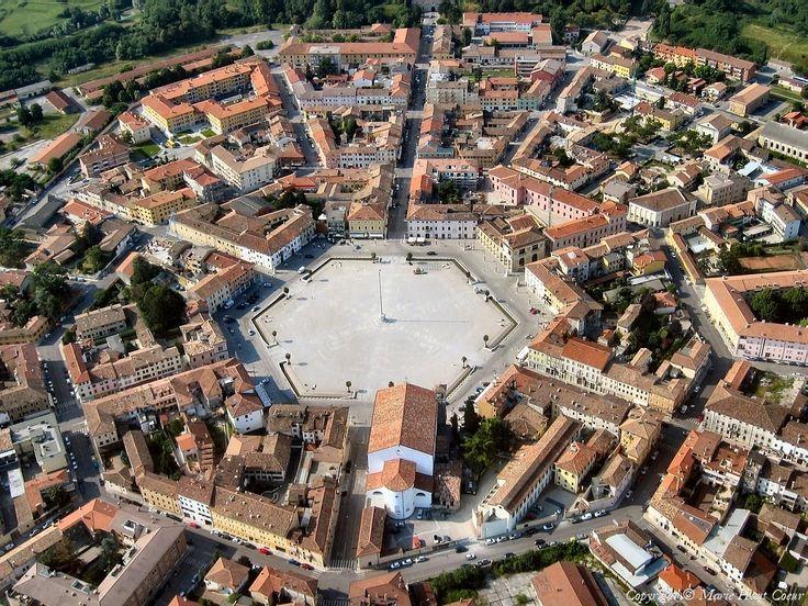 Пальманова — симметричный город крепость в Италии