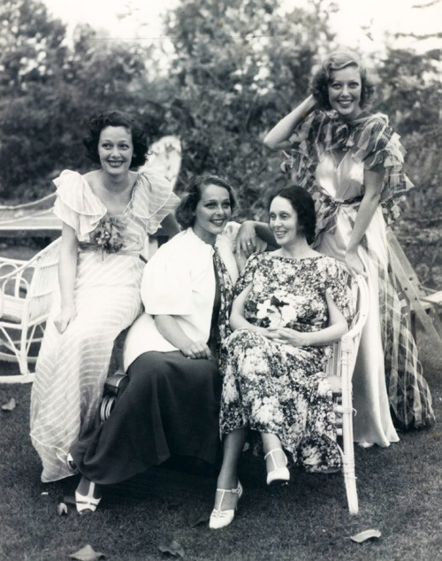Loretta Young (right) with her mother and sisters, 1930s