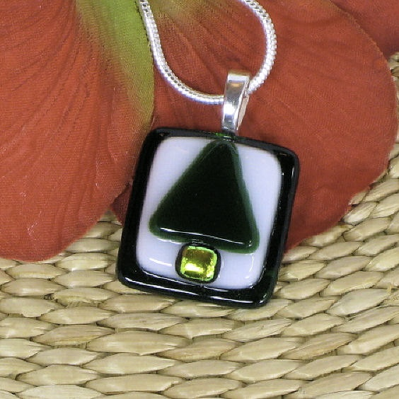 Fused glass pendant, Christmas tree, green, white P391