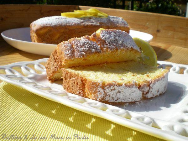Nel plumcake al limone ho usato lo yogurt al limone ma volendo potete usare come base un semplice yogurt bianco e poi aromatizzarlo come meglio credete.