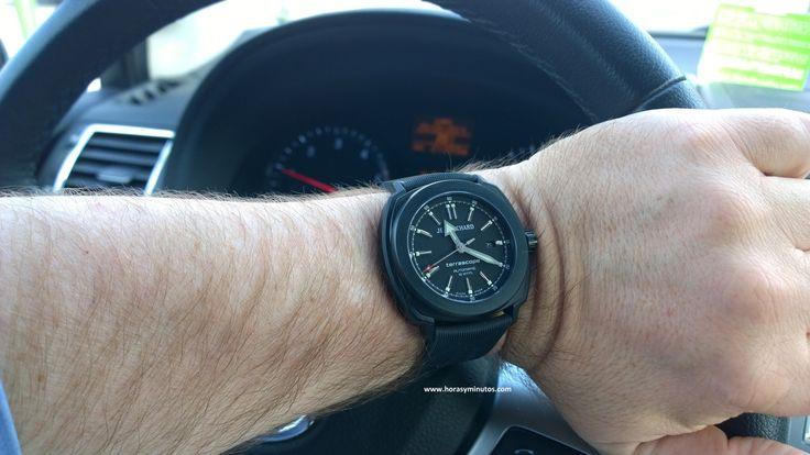JeanRichard Terrascope DLC negro en el coche