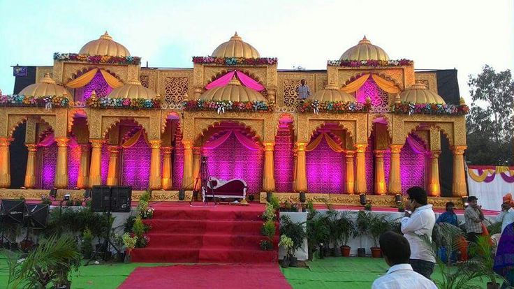 #To make the bride and groom feel as the king and queen #bookeventz #stage #wedding #decor #decorations #weddingdecor #marriage