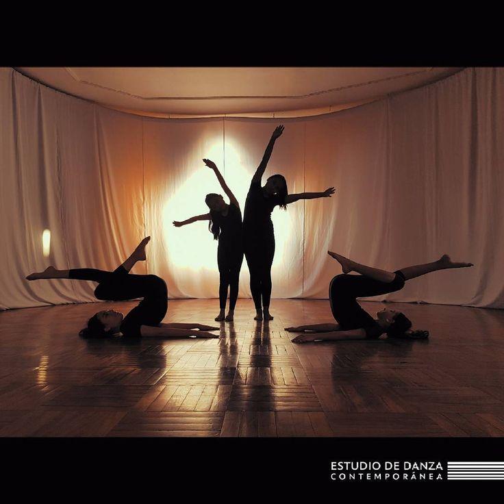 """33 Me gusta, 1 comentarios - Danza contemporanea Tomsich (@danza_tomsich) en Instagram: """"Curso mediano, forma grupal... #melotomsich #contemporarydance #dance #dancelife #contemporary…"""""""