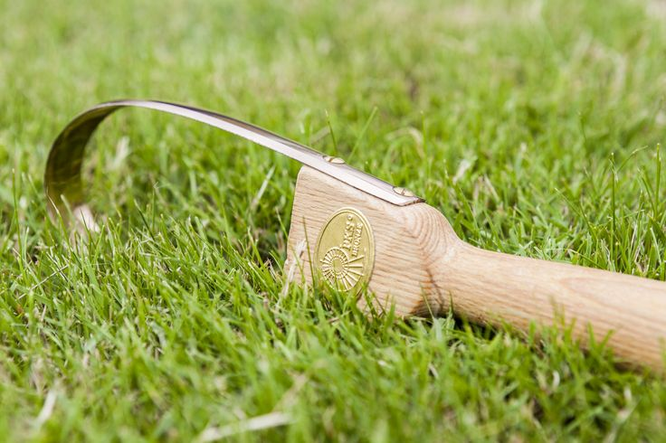 Our nunki weeder - a hand held how. Once you have this you will wonder how you lived without it!