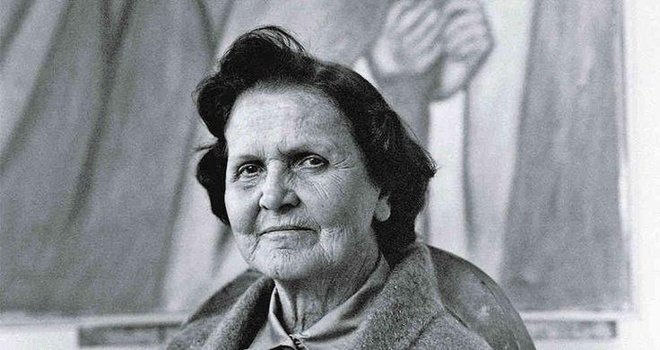 La extraordinaria mujer que sale en el billete de $2.000 -- Este retrato fue hecho por el fotógrafo León Ruiz en 1980. Foto: Cortesía del Museo de Arte Moderno de Medellín.