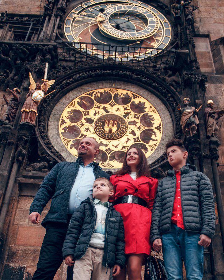 Фотопрогулки в Праге❤️ За подробной информацией обращайтесь: ✅директ @alenagurenchuk 📱+420608916324(WhatsApp/Viber) ✉alena.gurenchuk@gmail.com 🌐alenagurenchuk.com/pages/contact/ ~~~~~ Фотография в категории: #alenagurenchuk_family ~~~~~ #alenagurenchuk #photographerprague #photographerinprague #prague #praguephotographer #photographereurope #photoinprague #семейныйфотографвпраге #фотопрогулкапопраге #фотосессиявпраге #Прага #фотографвпраге #фотографпрага #фотографвчехии #фотографвевропе…
