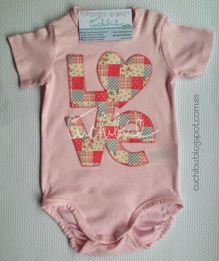 #Bodies amorosos para #bebés decorados con aplicaciones de tela bordadas a mano. #Handappliqué #Babyonesies #Babygift #Babyshower cuchibu.blogspot.com.es