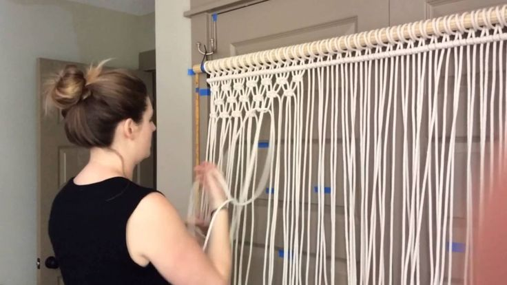 This past week I had the pleasure of hanging out with the lovely Holly Mueller in her home studio while she started a new large scale macrame wall hanging. H...