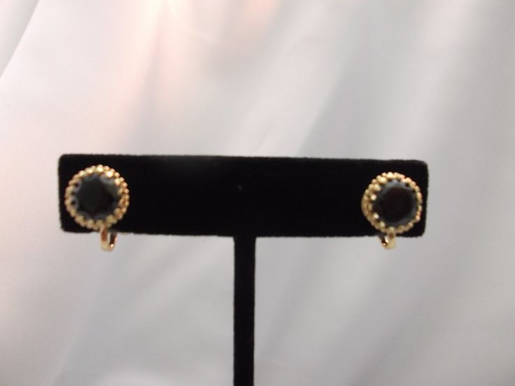 Clip On Xsmall Gold Black Stone Earrings 1 2