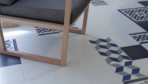 Świetny pomysł na niebanalną podłogę z wykorzystaniem płytek Vives. Płytki podłogowe Vives 1900 guell 1 znajdziecie tu http://www.salonplytek.eu/plytki-ceramiczne/vives-1900-guell-1-20x20-1793.html. #płytki #podłoga #vives