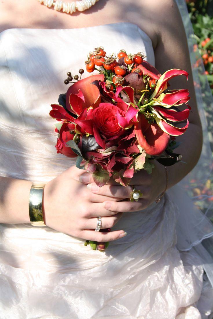 Sieraden maken je bruidslook compleet, passend bij iedere jurk en elke persoonlijkheid.