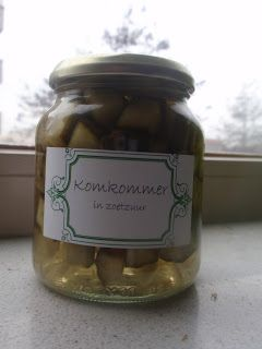 Een tijdje geleden heb ik komkommers in het zuur gemaakt. Ik wilde gewoon eens gaan proberen om zelf groente in te maken. Doordat ik en m'n ...