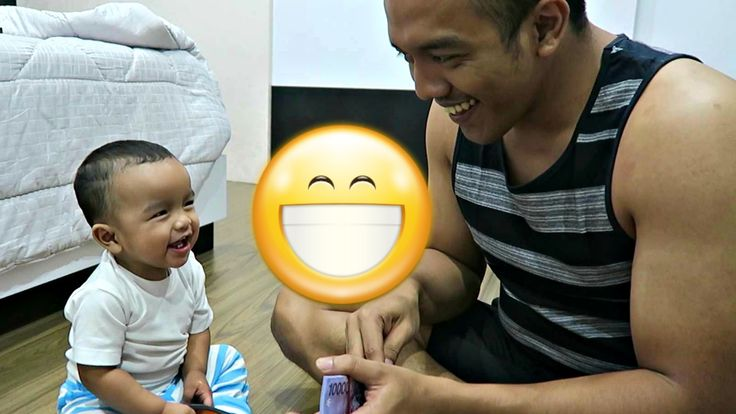 Baby Laugh - Baby cant stop laughing at dad counting money - Funny Baby ...
