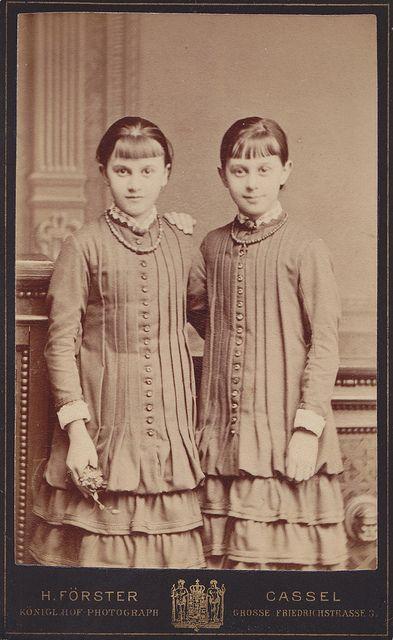 twins with tucks