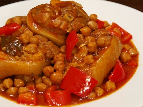 Patitas de Cerdo con Garbanzos (Filipino-style Pigs Feet with Chick Peas). This is a very popular stew served in restaurants in the Philippines, and is traditionally served with steamed white rice. Delicious!