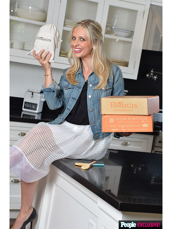 You all know I'm a #Buffy4Ever kind of gal, so excited to see this!!! EXCLUSIVE: Sarah Michelle Gellar Launches Line of Baking and Food Decorating Kits http://greatideas.people.com/2015/09/08/sarah-michelle-gellar-food-brand-foodstirs/?xid=rss-topheadlines
