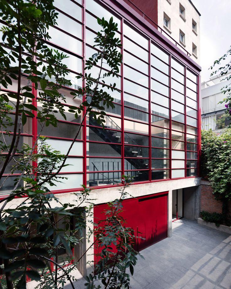 Galeria OMR in Mexico City by Mateo Riestra, José Arnaud-Bello & Max von Werz. Photography by Rory Gardiner