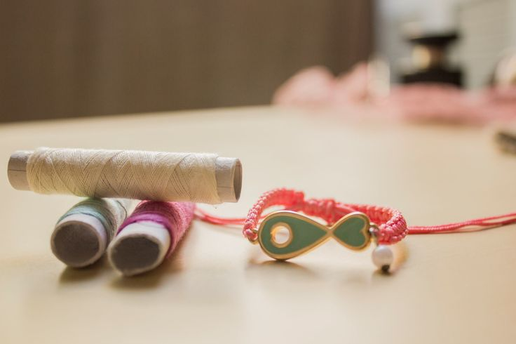 μακραμέ ροζ βραχιολάκι με ψαράκι κωδικός: ΤΙ35