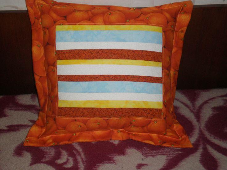 Подушка с апельсинами.