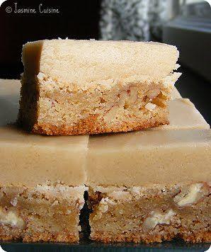 Jasmine Cuisine: Blondies butterscotch, glaçage au beurre et au sucre brun