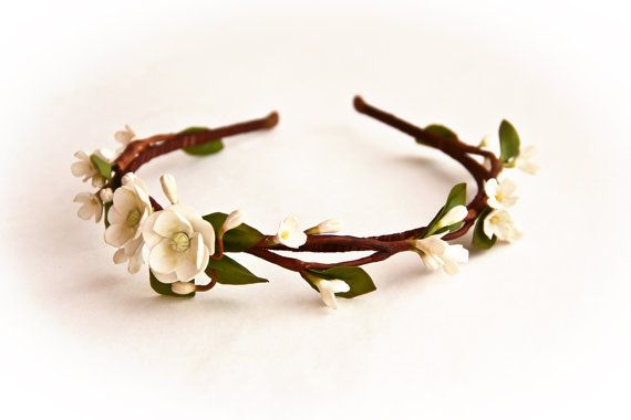 White flower hair wreath bridal hair accessory wedding