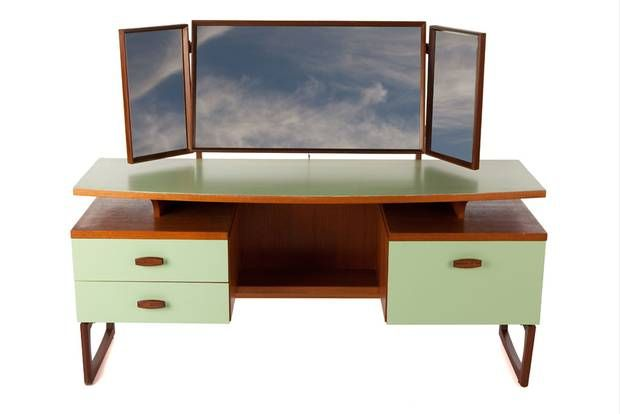 G Plan Dressing Table: Out of the Dark