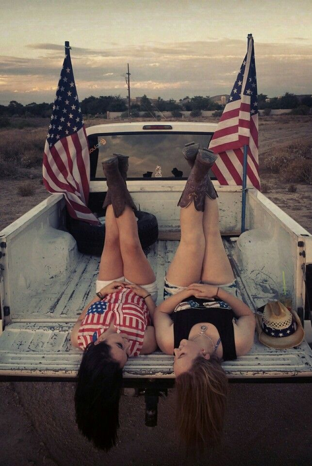 4th of July best friend photoshoot. All American country girls.