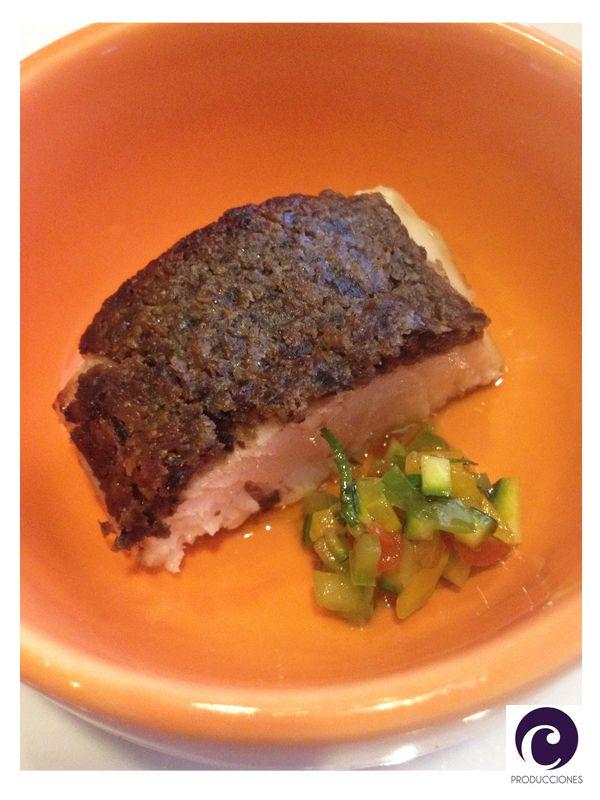Filete de Cobia, grillado con croutte de olivas negras y salsa mariner al pastis. Espectacular! - Restaurante NoSo - Hotel W - Santiago de Chile
