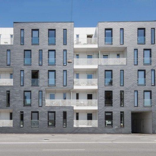 Apartment Building Facade best 20+ brick architecture ideas on pinterest | brick facade