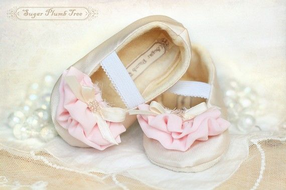 Charlotte baby shoes in cream and pink