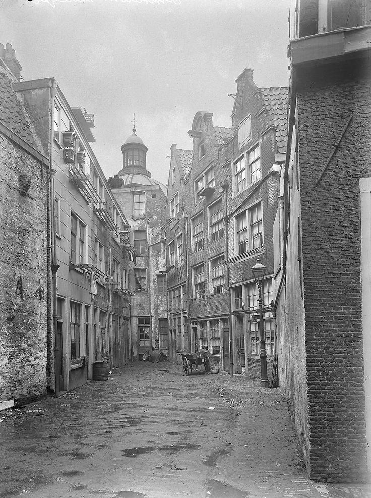 Voormalige Zwarte Bijlsteeg, 1920/1935, fotograaf: C. Steenbergh