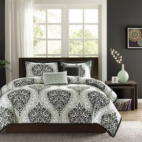 Twin/Twin XL 4-Piece Black White Damask Print Comforter Set