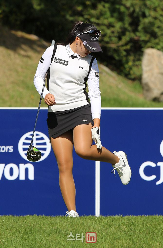 LPGA Tights | Ladies golf, Tights, Lpga