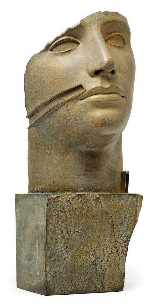 Igor Mitoraj, Untitled (mask), bronzo, 61 x 29 x 26 cm