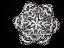White crochet doily - Diameter: 40 cm
