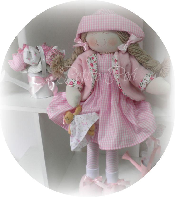 Boneca ''Clarinha''- Inverno. Produto Petite Poá.  proibido cópias e reproduções.