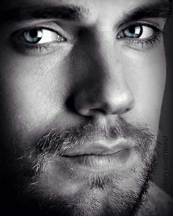 Henry Cavill, this man is beautiful!!!