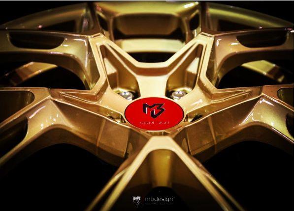 mbDESIGN KX1 Felge Gold - kovexes Design Version 1 auf der Essen Motor Show