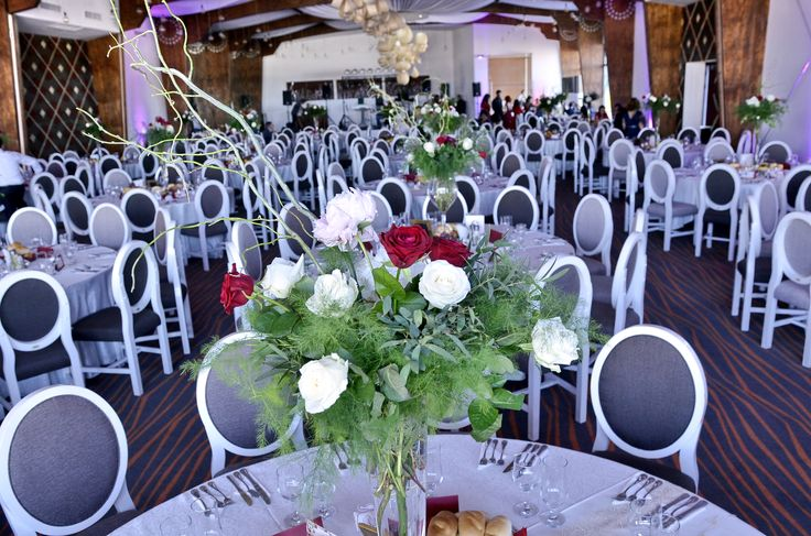 Wedding centerpiece flowers made by Ianys Events
