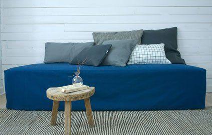 Recyclez votre vieux matelas en canapé !