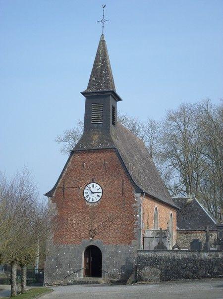L'église de Beaurieux.L'église fut construite en 1452 par Jehan de Hun, seigneur de Beaurieux et remaniée à plusieurs reprises. Elle possède un trésor artistique inestimable : ce sont 4 médaillons en bois sculpté, d'environ 2 mètres de haut et qui représentent la Vierge avec Saint Antoine, Saint François, Saint Roch et Saint Christophe. Ces médaillons du XVIème siècle, classés aux Monuments Historiques, proviennent de l'Abbaye de Liessies