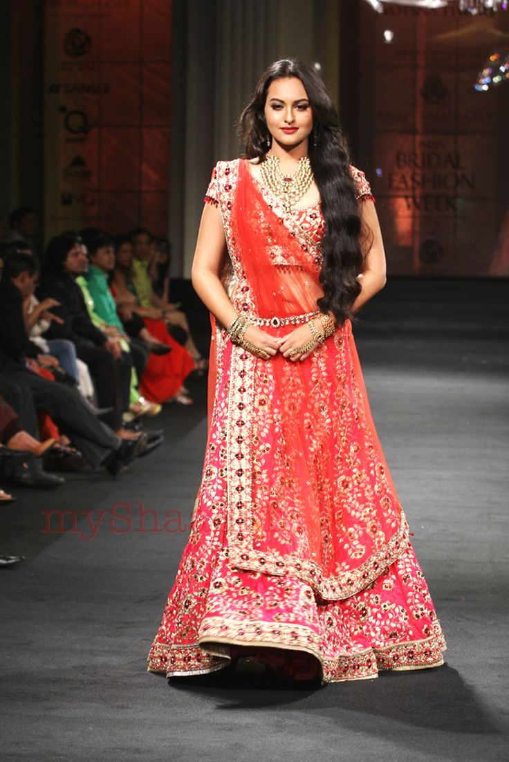 Sonakshi Sinha wearing Jyotsna Tiwari bridal collection - wedding dress collection | My Shaadi