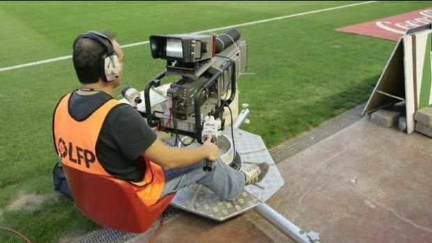 Fútbol  Televisión: Dónde ver los partidos de vuelta del playoff de ascenso a Segunda división y Segunda B http://www.abc.es/deportes/futbol/abci-donde-partidos-vuelta-playoff-ascenso-segunda-division-y-segunda-201706091513_noticia.html