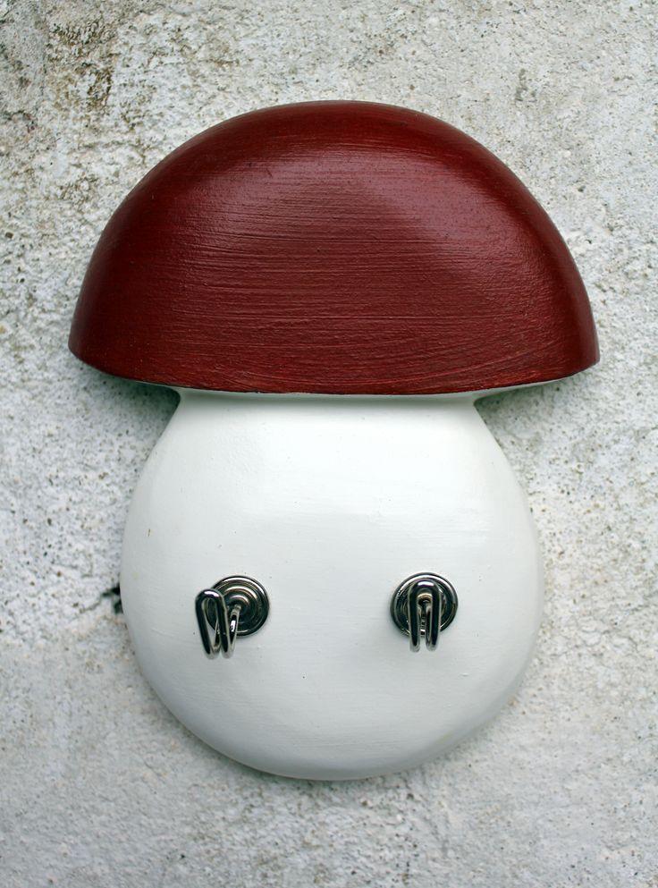 Věšáček ve tvaru houby. Od Les Houbeles.