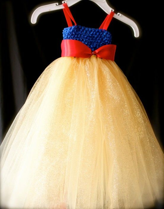 DIY Snow White dress - Click image to find more Kids Pinterest pins
